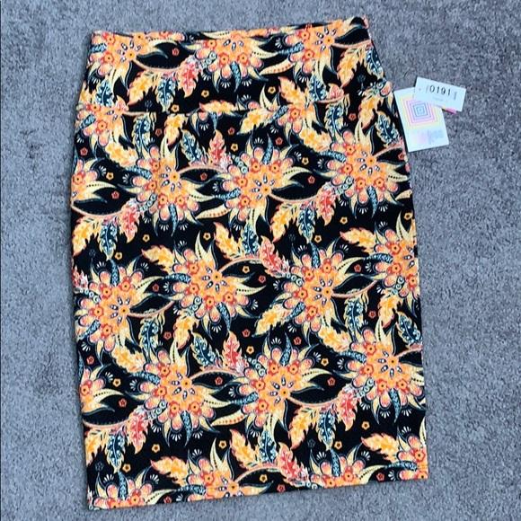 LuLaRoe Dresses & Skirts - LuLaRoe multi-colored floral Cassie skirt L NWT